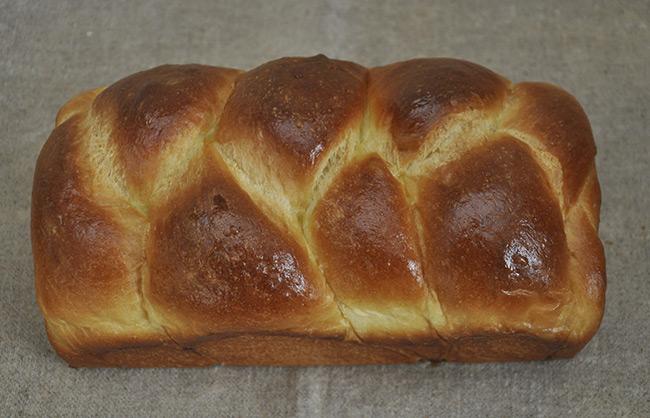 how to serve brioch bread